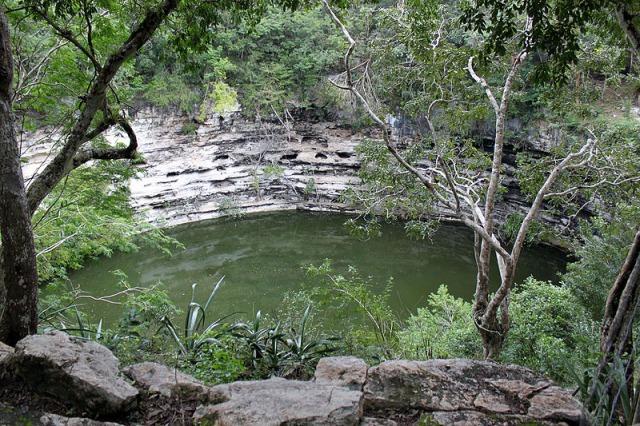 聖なる泉セノーテ